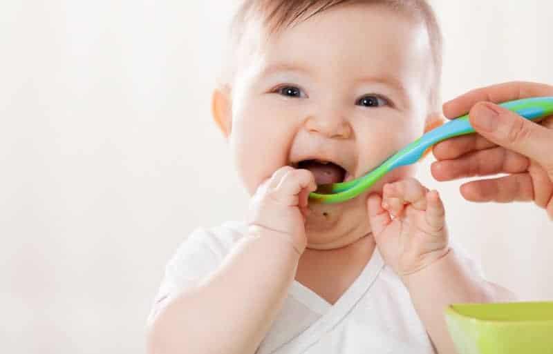 4 aylık bebek beslenmesi