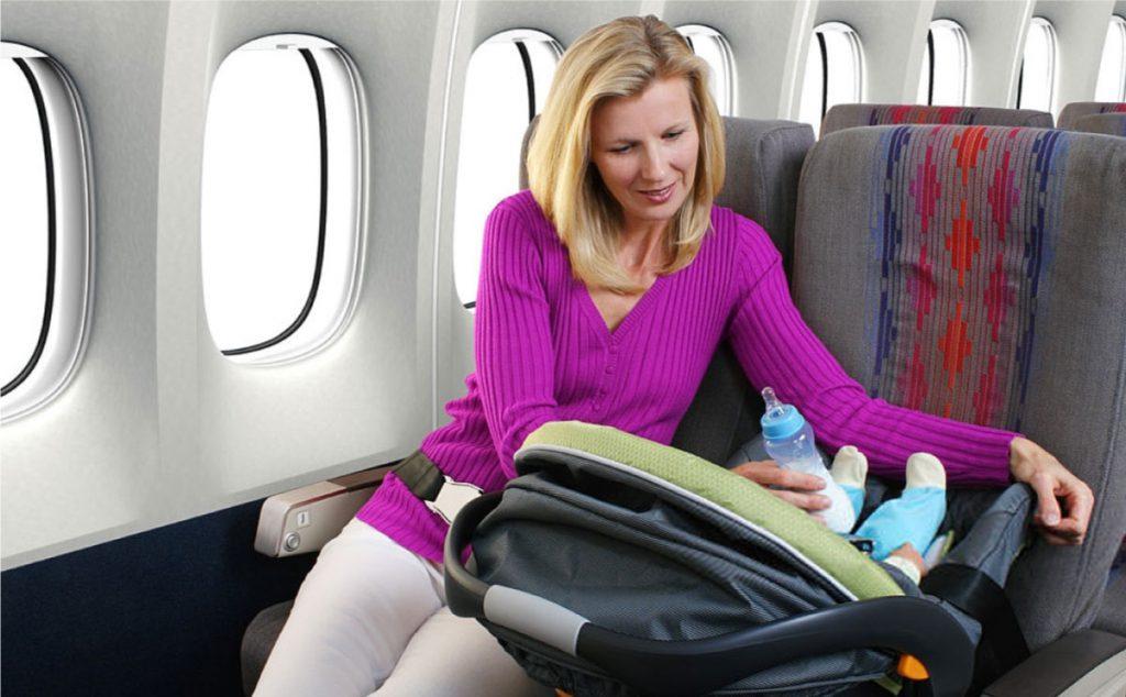 Uçakta Bebek Bakımı Nasıl Yapılır