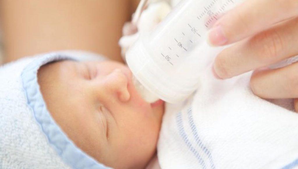 Yenidoğan Bebek Beslenmesi Nasıl Yapılır