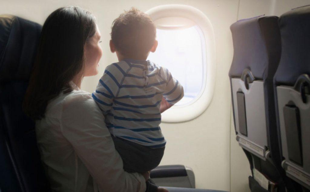 Bebekle Uçak Yolculuğu Yaparken Dikkat Edilecekler