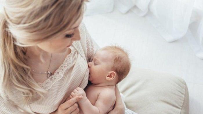 1 Aylık Bebek Beslenmesi