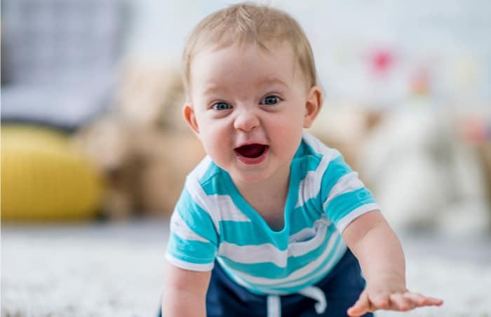 10 Aylık Bebek Fiziksel Gelişimi