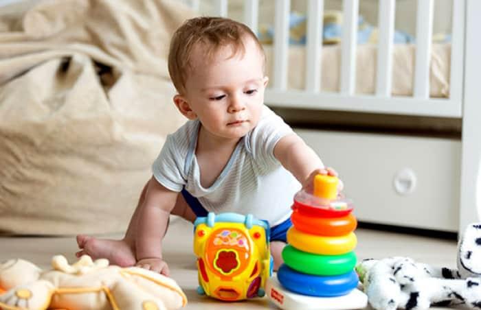 10 Aylık Bebek Oyuncakları ve Oyunları