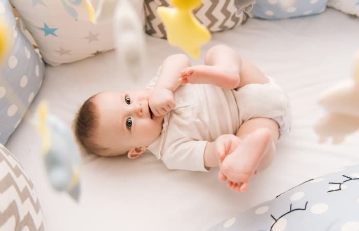 11 Aylık Bebeğin Sosyal Gelişimi