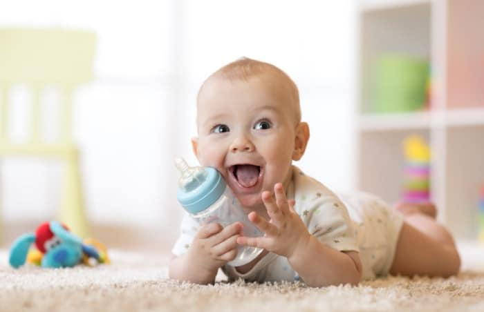 11 Aylık Bebek Neler Yapar?