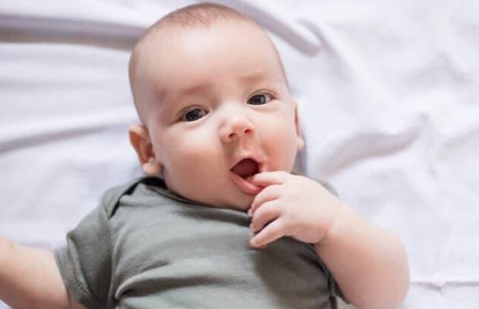 6 Aylık Bebeğin Sosyal Gelişimi