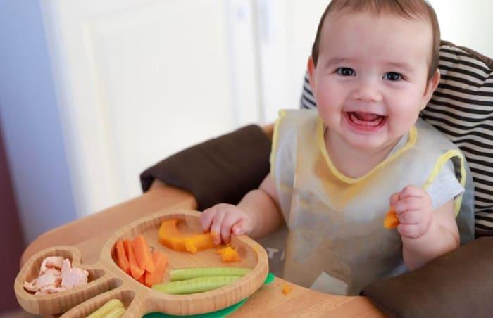 6 Aylık Bebek Ek Gıda Döneminde Ne Yer