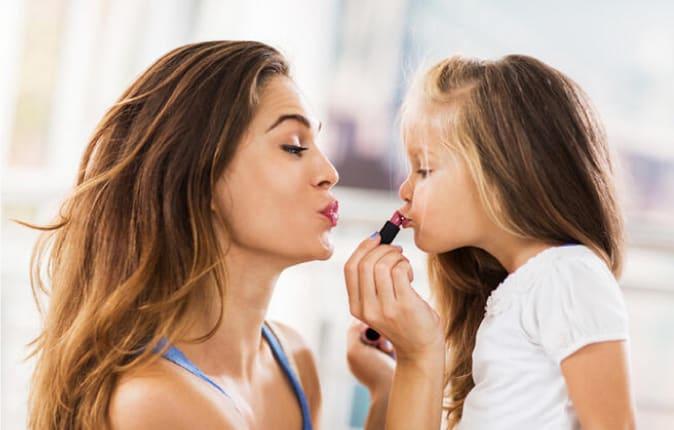 Çocuk Cinsel Kimliğini Keşfederken Anne Babanın Tavrı Ne Olmalı?